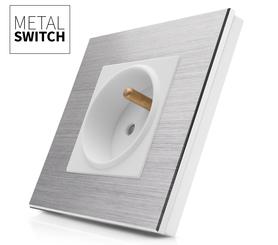 Gniazdko białe w ramce aluminiowej kolor srebrny