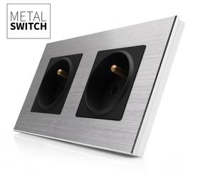Gniazdo podwójne czarne w ramce aluminiowej kolor srebrny
