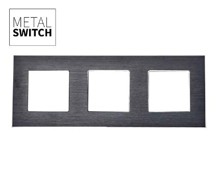 MetalSwitch ramka potrójna aluminiowa czarna (1)